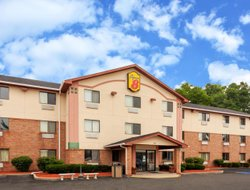 Pets-friendly hotels in Portage