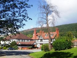 Pets-friendly hotels in Llangollen
