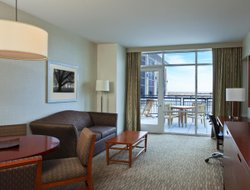 Pets-friendly hotels in Lombard