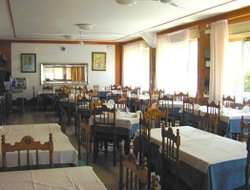 Pescara hotels with restaurants