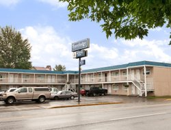 Pets-friendly hotels in Quesnel