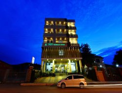 Taunggi Mong hotels with restaurants