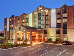 Pets-friendly hotels in Helotes