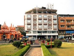 Mapusa hotels with restaurants