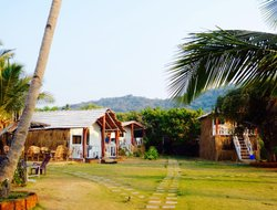 Agonda hotels with restaurants