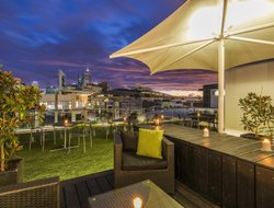Perth hotels with restaurants