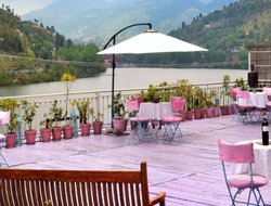 Bhim Tal hotels with restaurants