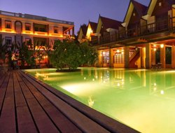 Kalapettai hotels with swimming pool