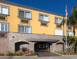 Manhattan Beach hotels with swimming pool