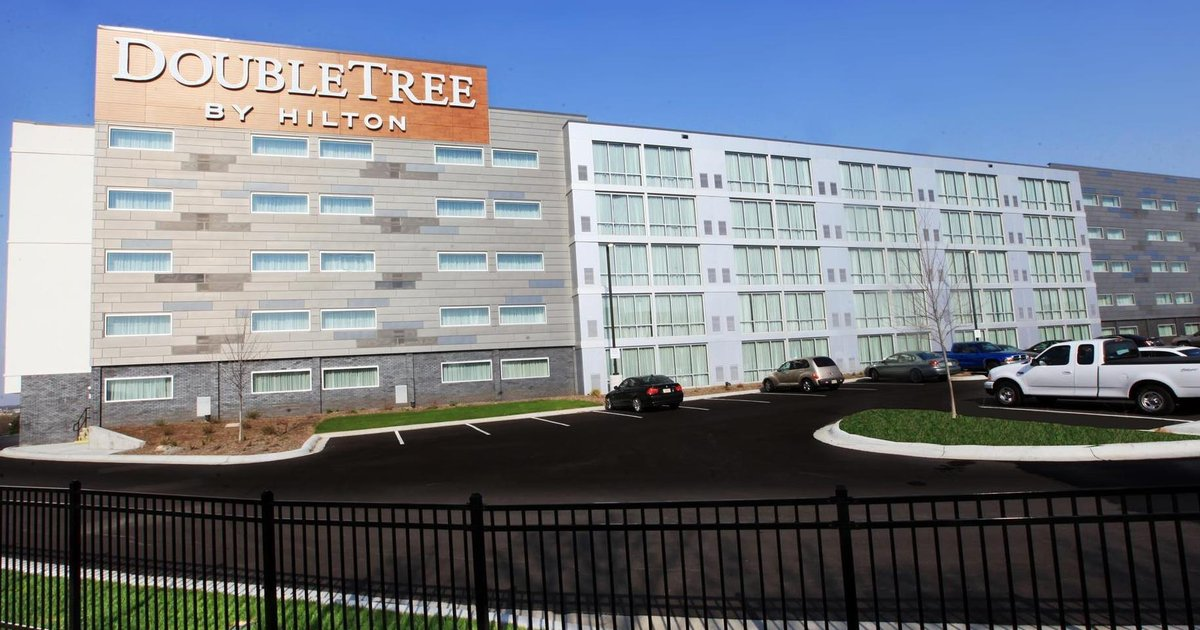 DoubleTree by Hilton Hotel Omaha Southwest
