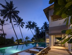 Sri Lanka hotels with swimming pool