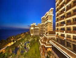 Sanya hotels with sea view