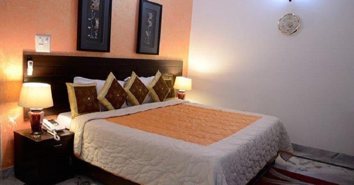 STARiHOTELS DLF Phase 3 Gurgaon