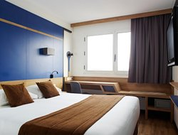 Top-10 hotels in the center of Clichy