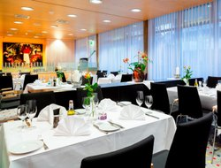 Kloten hotels with restaurants