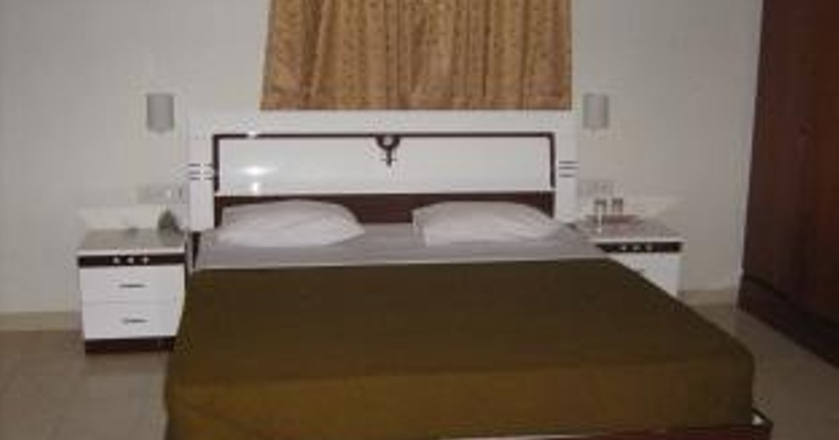 Shree Balaji Serviced Apartment- Park Street