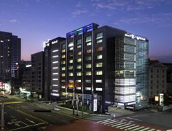Top-10 hotels in the center of Haeundae