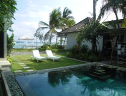 Manggis hotels with sea view