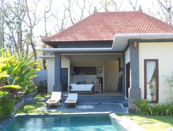 Nusa Dua hotels with swimming pool