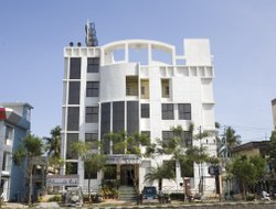 Top-3 hotels in the center of Tambaram