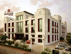 Gandhidham hotels with swimming pool
