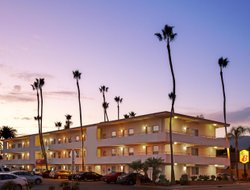 Top-6 hotels in the center of Goleta