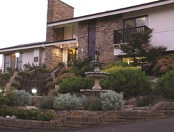 Top-3 romantic Bathurst hotels