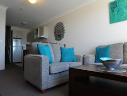 Jindabyne hotels with swimming pool