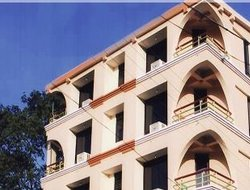 Pachmarhi hotels with restaurants