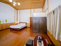 Pets-friendly hotels in Ren-ai Township