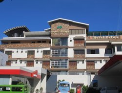 DUMAGUETE hotels with restaurants