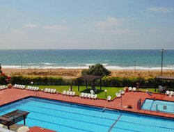 Nahariya hotels with restaurants