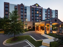 Owings Mills hotels with swimming pool
