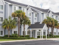 Pets-friendly hotels in Weeki Wachee