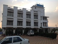 Lonavala hotels with swimming pool
