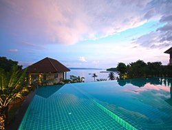 Island Mak hotels with sea view