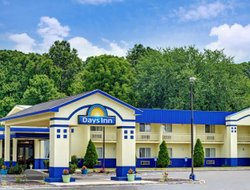 Pets-friendly hotels in Southington