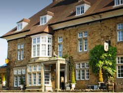 Coleford hotels with restaurants