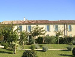 Maussane-les-Alpilles hotels with swimming pool