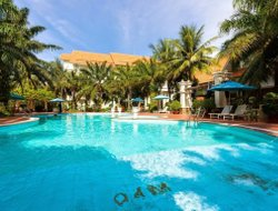 Con Dao hotels with restaurants