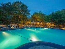 Nilaveli hotels with swimming pool