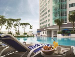 Kelang hotels with swimming pool