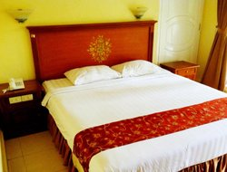 Pangkalpinang hotels with restaurants