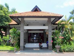 Banyuwangi hotels with restaurants