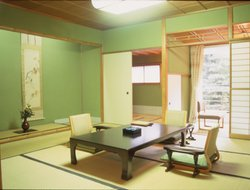 Pets-friendly hotels in Yamanaka