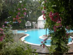 Tanjavur hotels with swimming pool
