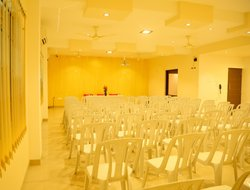 Tanjavur hotels with restaurants