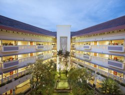 Krawang hotels with restaurants