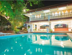 Calamba hotels with swimming pool