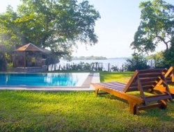 Koggala hotels with swimming pool